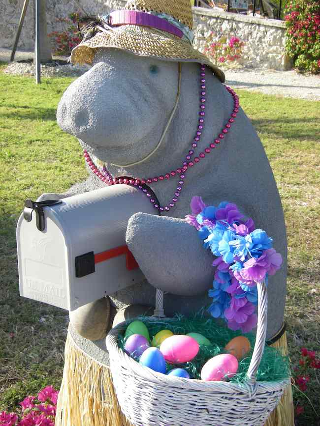 manatee mailbox in Florida Keys, scenic drives in Florida by Charles McCool of McCool Travel