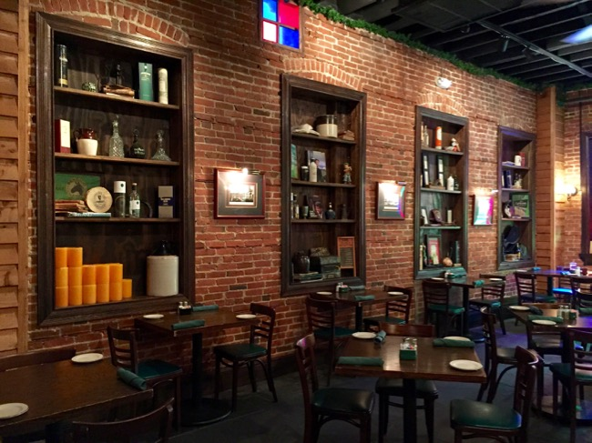 5 Fun Places To Eat In Annapolis Back Room At Galway Bay