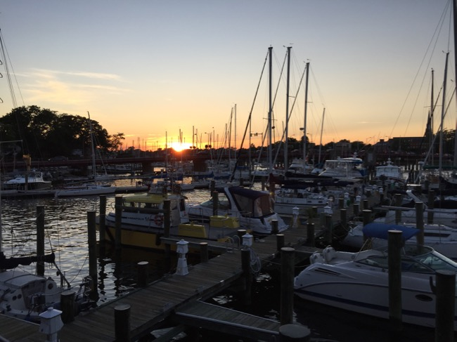 5 Fun Places To Eat In Annapolis Sunset View Carrol S Creek Cafe