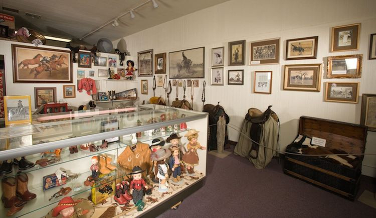 museums in western US: Cowgirls of the West Museum