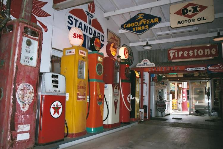 Reiff's Antique Gas Station Automotive Museum: museums in western US