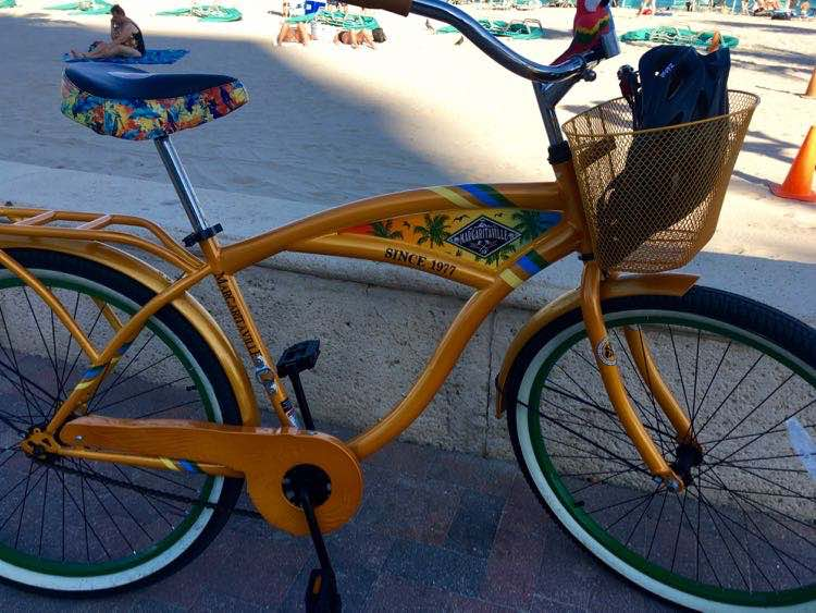 Margaritaville Beach Resort: cool beach bicycle