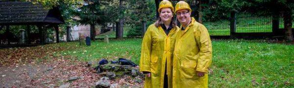 McCool Travel interview with Lance Longwell and Laura Longwell of Travel Addicts.